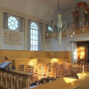 Remonstrantse kerk van binnen