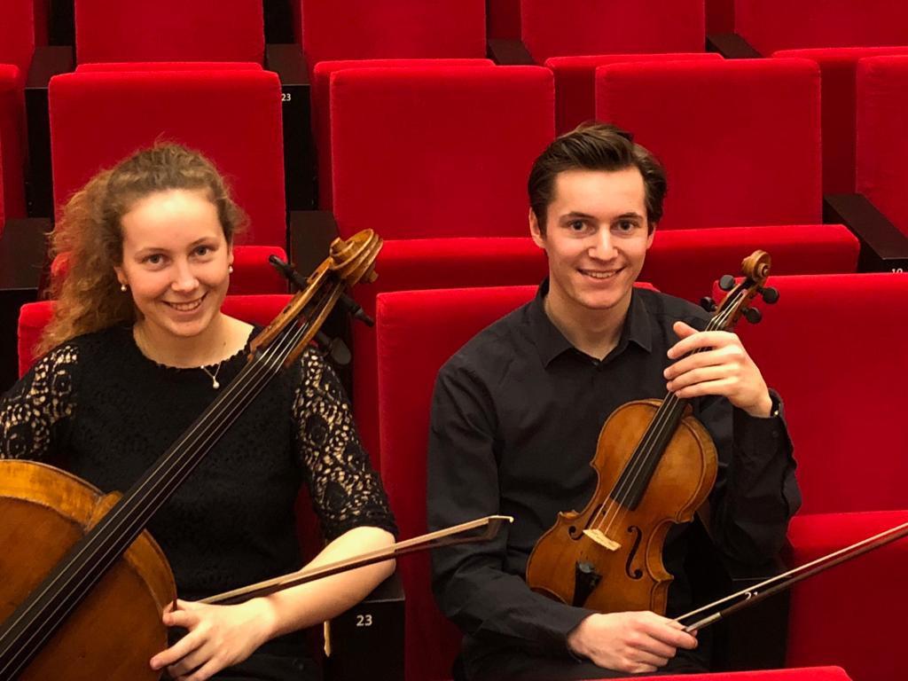 Maxim Gulikers (viool) en Charlotte Gulikers (cello)