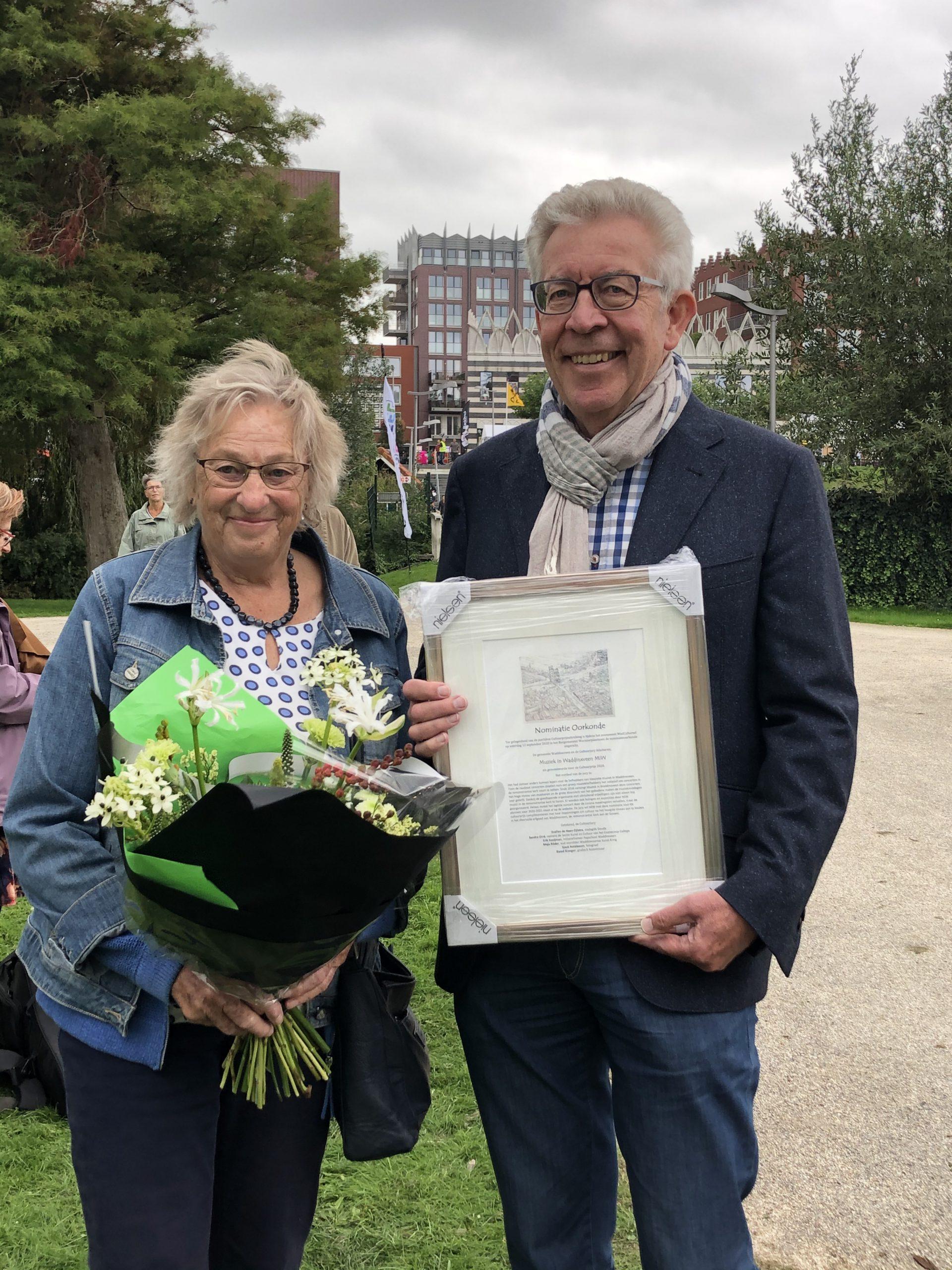 Muziek in Waddinxveen (MIW) ontvangt oorkonde Cultuurprijs 2020.